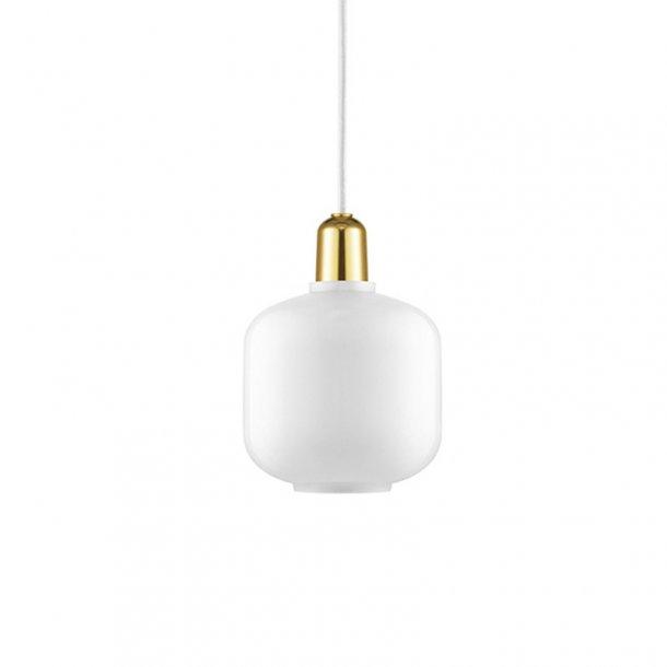 Normann Copenhagen Lampe : normann copenhagen amp lampe small hvid messing ~ Watch28wear.com Haus und Dekorationen